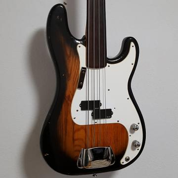 Custom 1977 Fender Fretless Precision Vintage P Bass Guitar in Sunburst