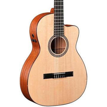 Martin Special Edition 000C Auditorium Nylon String Acoustic-Electric Guitar Natural